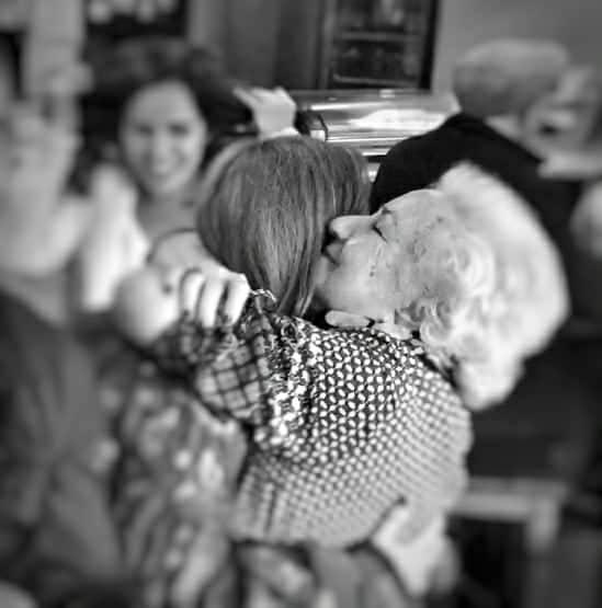 Abrazo de tía Luisa