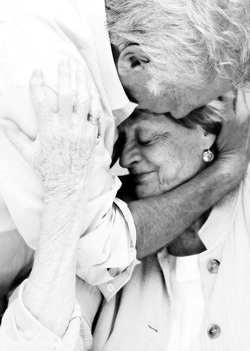 Beso anciano