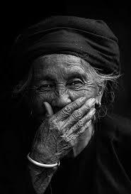 mujer riéndose 3